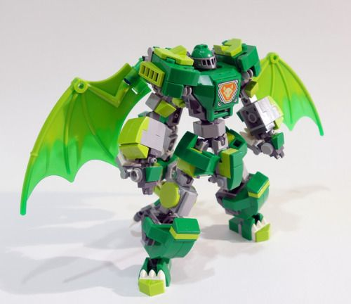 Aaron's Dragon Suit 2.0 by chubbybots flic.kr/p/Sc8jf1