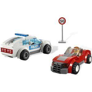 レゴLEGO 3648 Police Chase Special Edition 2011 City Series 173pc Set (Includes 3 Minifigures)