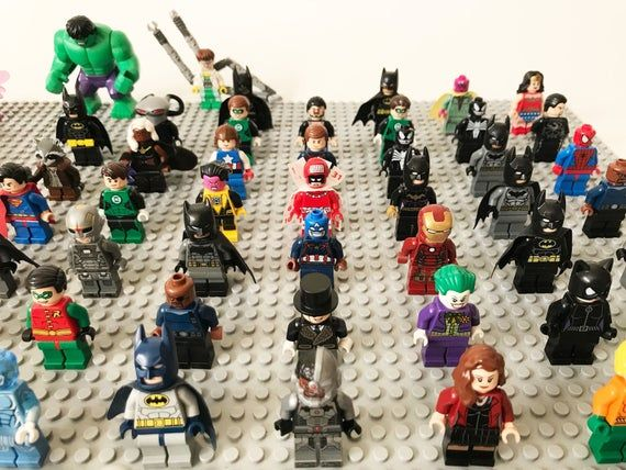 Lot of 10 RANDOM Lego Super Heroes Minifigures Marvel DC Comics Avengers