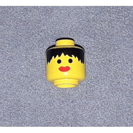 3626apx2 – Minifigure, Head Female with Messy Black Hair, Thick Red Lips Pattern – Solid Stud