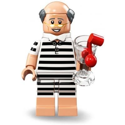 LEGO Minifigures 71020 – Vacation Alfred | The LEGO Batman Movie Series 2 | Collectable LEGO Minifigures