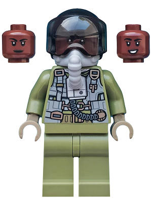 Minifig sh597a : Lego Maria Rambeau – Black Helmet and Oxygen Mask [Super Heroes:Captain Marvel] – BrickLink Reference Catalog