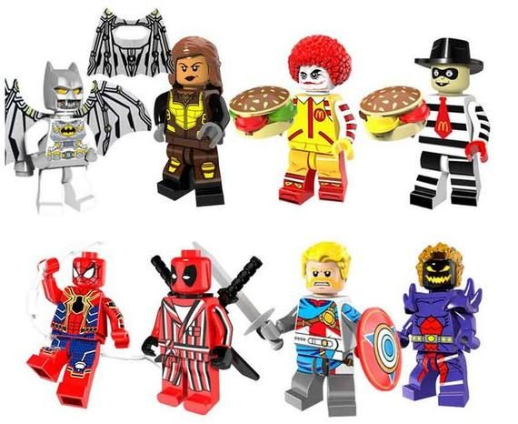 Lot of 8 Super Heroes Minifigures (Batman, Spider-Man, Deadpool, dormammu). customized