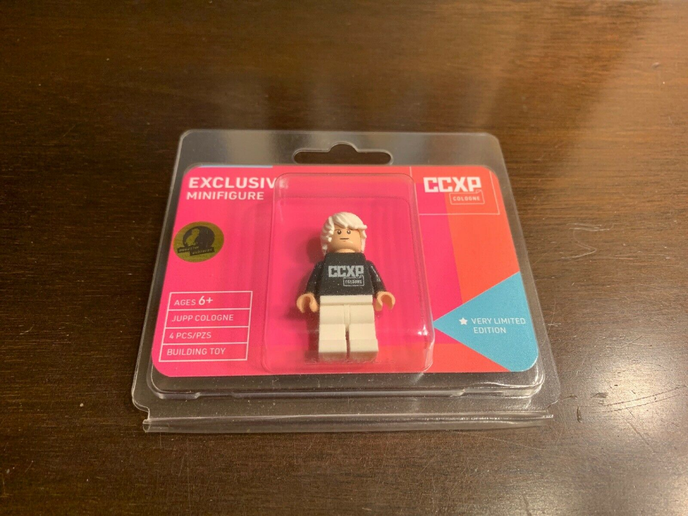 AUTHENTIC 2019 Lego White CCXP Cologne Minifigure! SUPER RARE! Limited To 200!