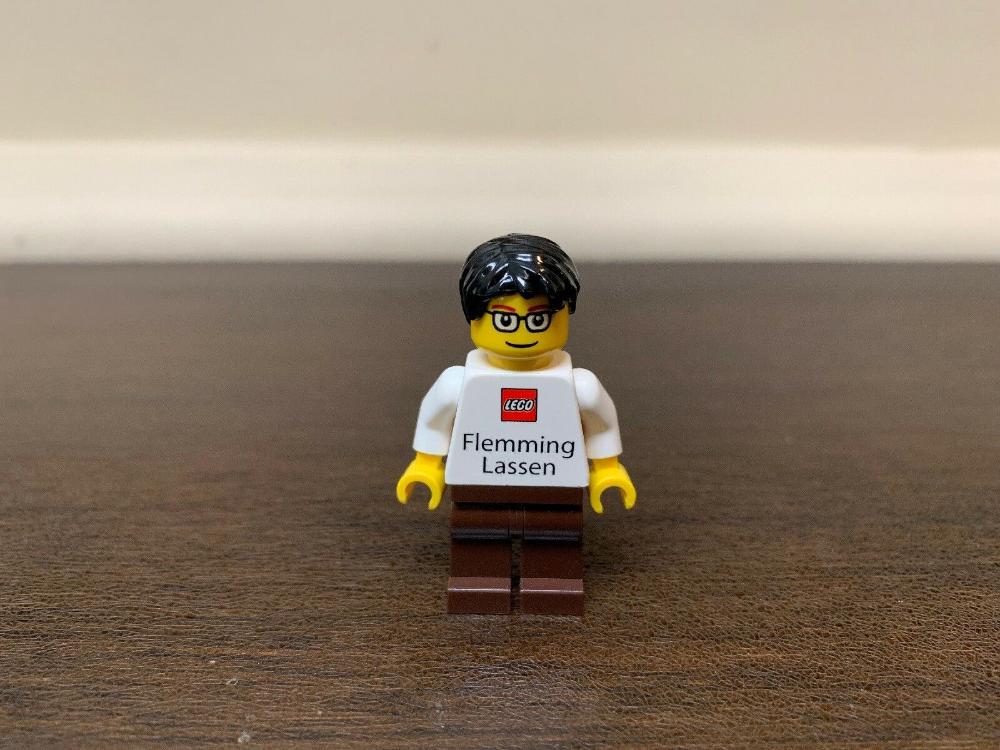 AUTHENTIC Lego Flemming Lassen Employee Business Card Minifigure! SUPER RARE!  | eBay