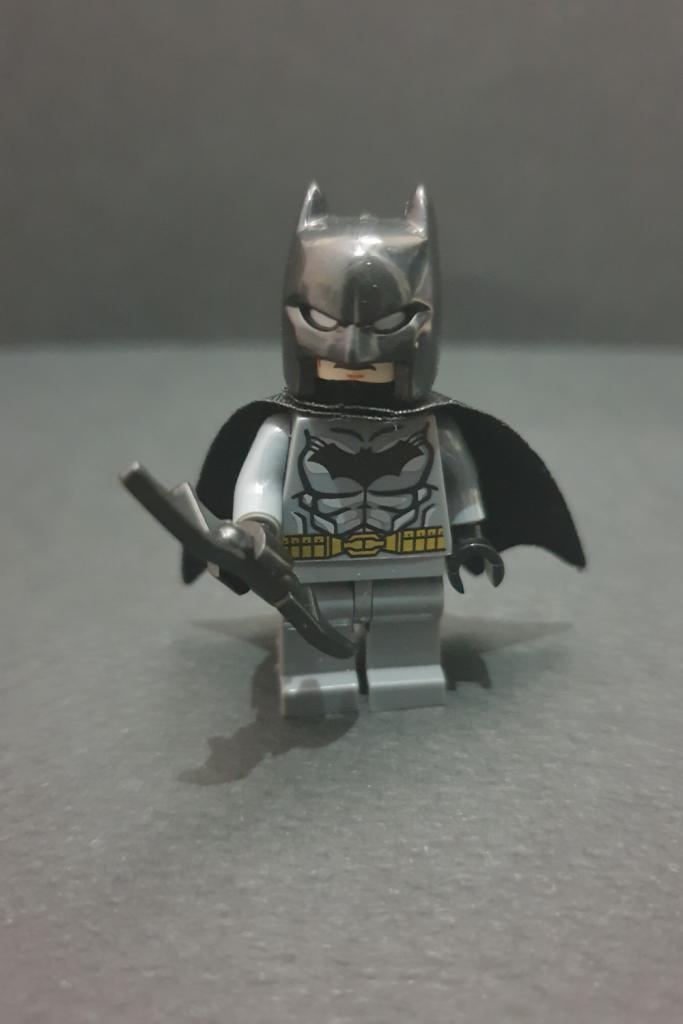 Batman with Batarang Minifigures