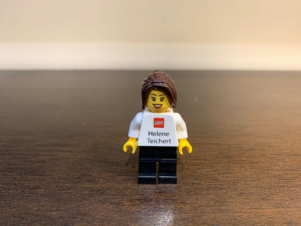 AUTHENTIC Lego Helene Teichert Employee Business Card Minifigure! SUPER RARE!