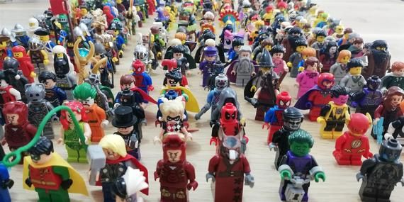LEGO –  Minifigure x5 figs per order. Choose Your Theme! – Bulk Suprise Packs! of characters and rar