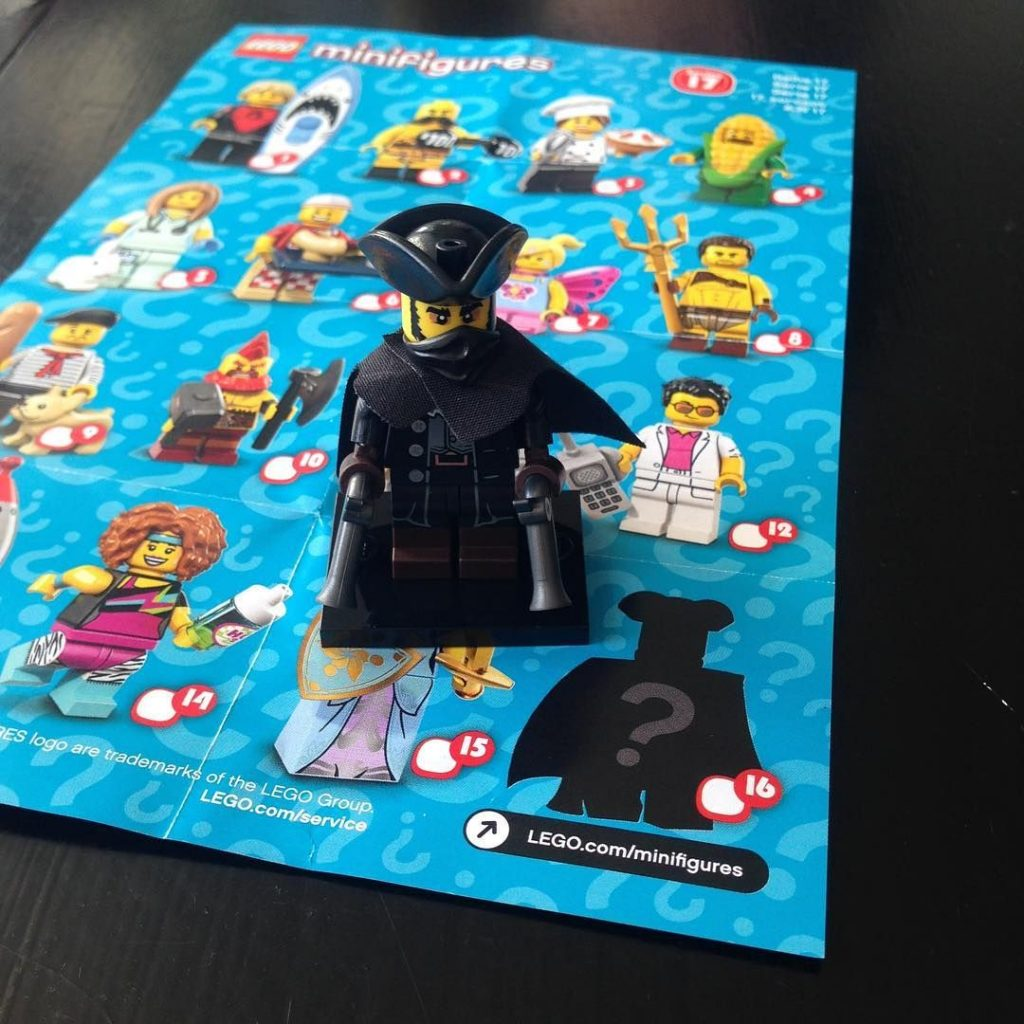 LEGO Collectible Minifigures Series 17 Highway Man Spotted – Brickfinder