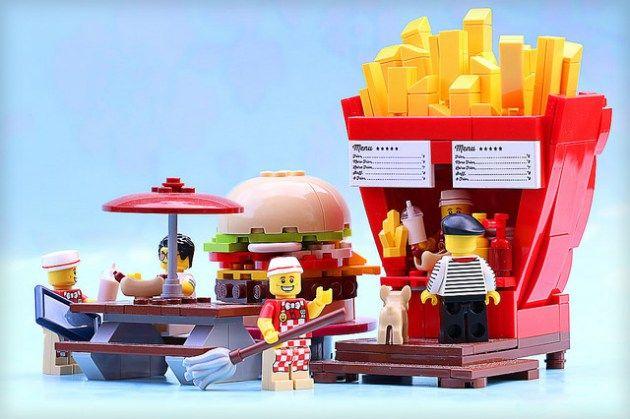 Ketchup ou mayo avec vos frites ? – HelloBricks