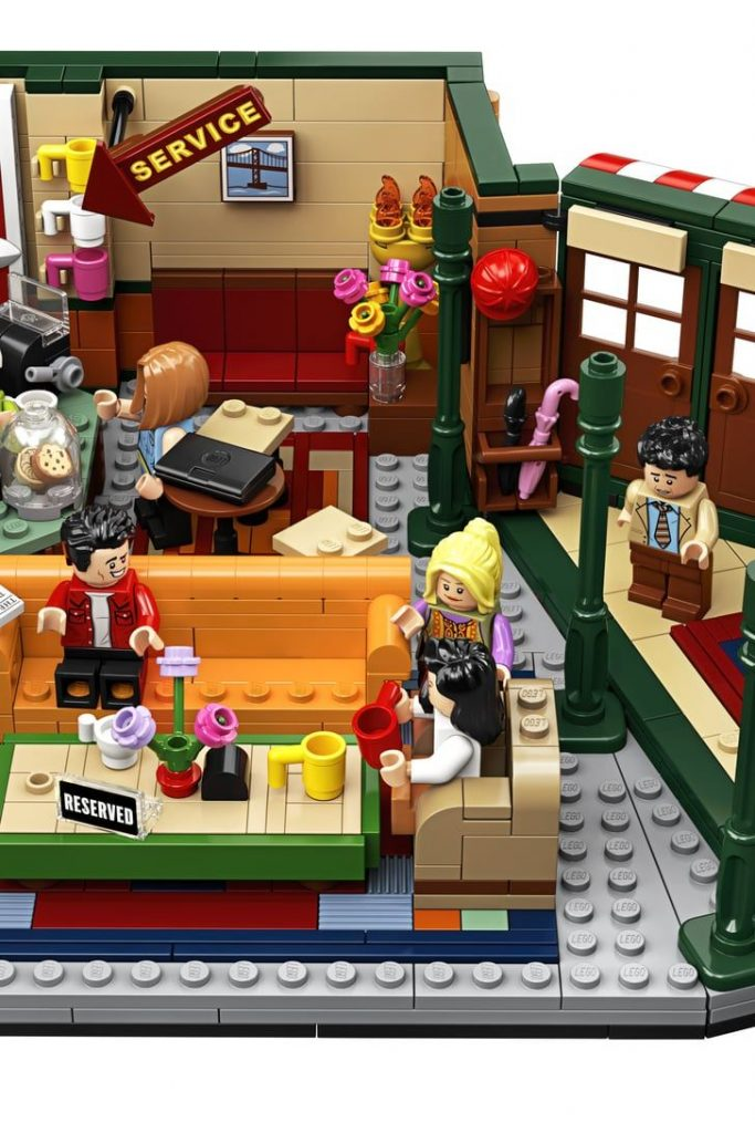 A Friends Lego Set Is Coming Out, and LOL, Ross's Minifigure Is PERFECT